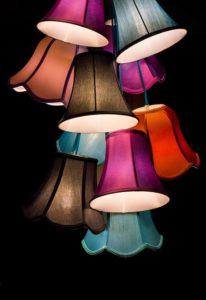 Kolorowe lampy wiszące do pokoju, salonu